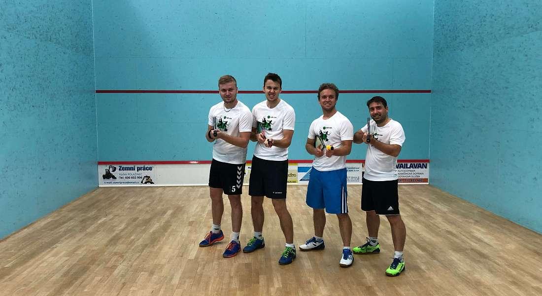 VAŠE LIGA Team válcuje ve squashové asociaci