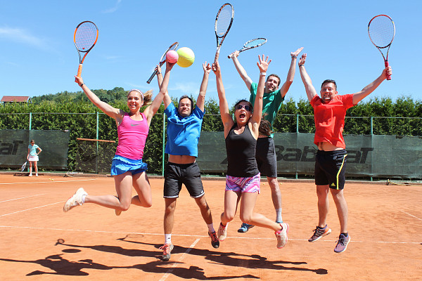 Tenis, beach volejbal, roundnet - přihlašování do ligy spuštěno!