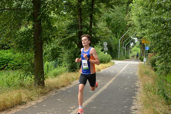 Červnový závod ozdoben traťovým rekordem